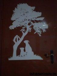Hunde unter einem Baum