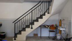 Treppengelaender mit Handlauf