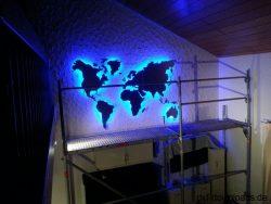 Weltkarte Blau beleuchtet