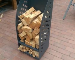 Holzlager auf Rollen