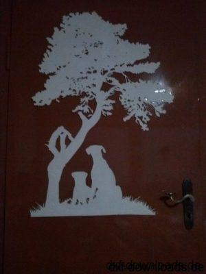 Hunde unter einem Baum - Dog under a tree